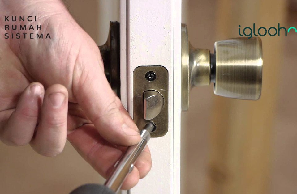 berikut-cara-membuka-kunci-pintu-yang-macet-mudah-sekali